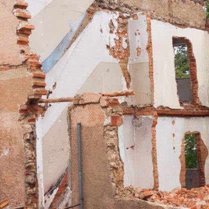 Brokker fjernes mursten