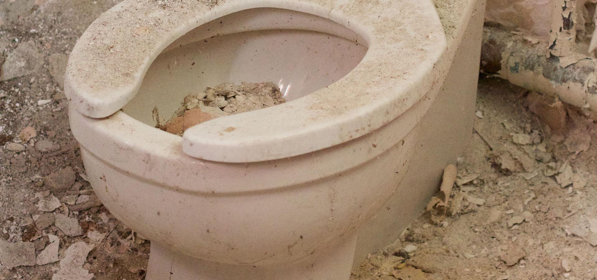 Porcelæn, keramik, glaseret affald bortskaffes